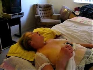 Jizzing on face and mouth of horny granny. Unexperienced