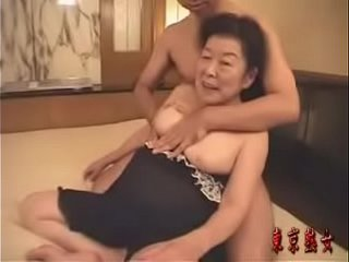 Japanese granny lovin' hookup