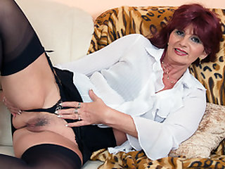 Nasty granny pleasing herself