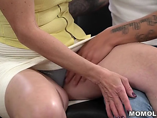 Young fellow bonks saggy jugged mommy