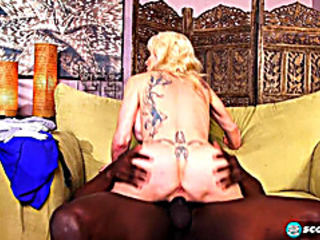 Vídeos Pornográficos HD de Granny interviewed previous to her GILF aaperture is interracially screwed